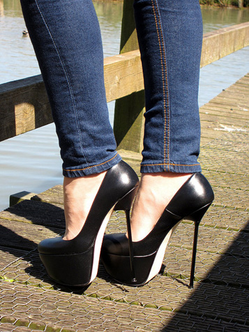 rosa shoes video and photo galleries  stiletto high heels