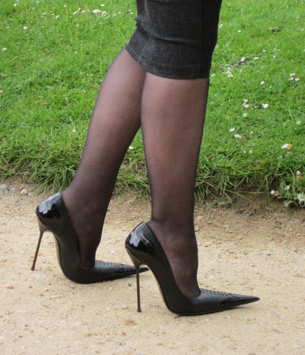 Black Extreme Pointed Court Shoes