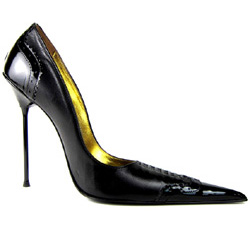 Ultra-high stiletto court shoe with extreme winklepicker pointed toe, front lacing and brogue detail. Black leather and patent upper, leather sole, full gold leather lining. Made in Italy exclusively for RoSa Shoes